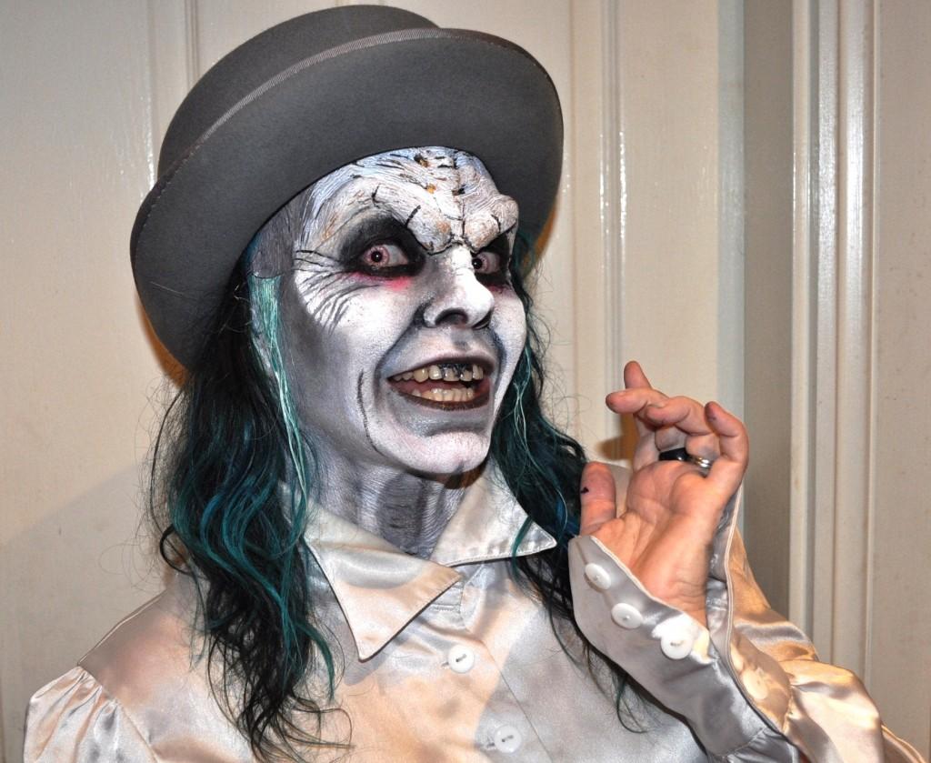 Spooky Trashtastika halloween make-up