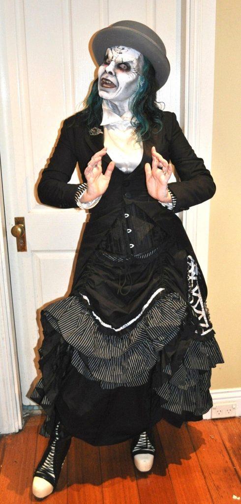 Trashtastika undead outfit